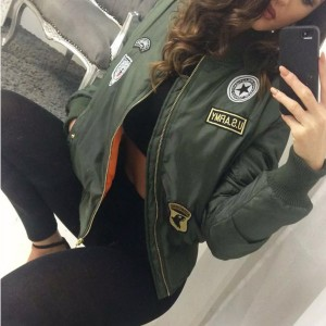 Bomber jakna sa zakrpama