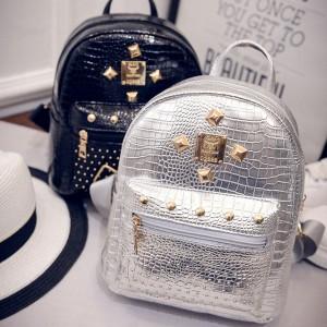 Mini kroko shiny ruksak sa zakovicama