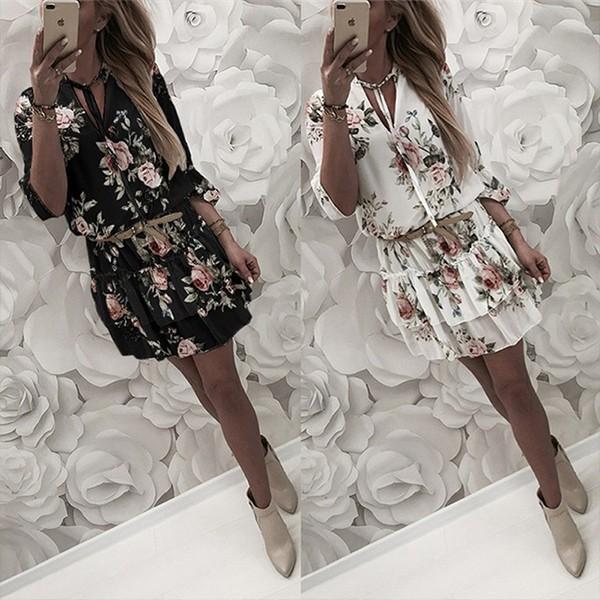 Mini cvjetna haljina s vezicama na vratu