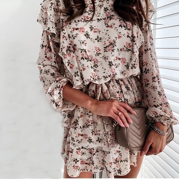 Mini haljina cvjetnog uzorka na krupne volane