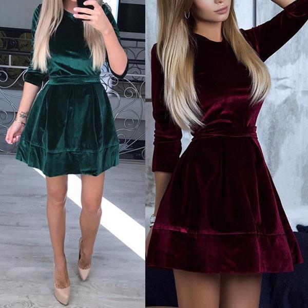 Mini baršunasta haljina zvono kroja