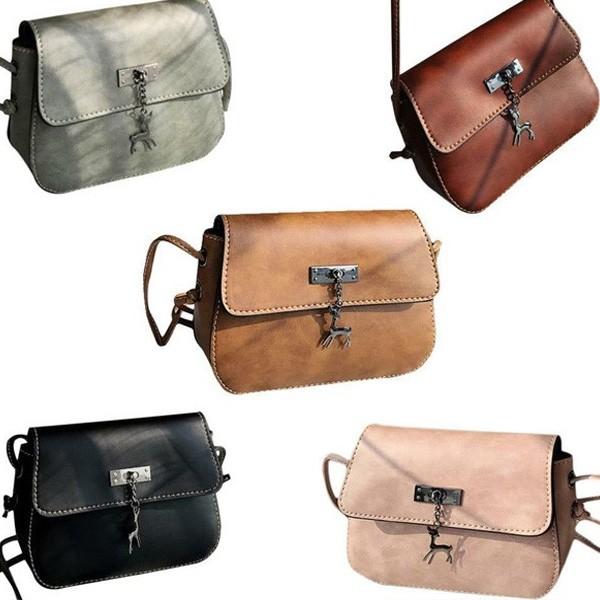 Mala poštarska torbica s privjeskom