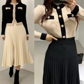 Pleteni komplet plisirana suknja + jakna s biserima *Limitirana kolekcija*