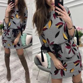 Šift cvjetna haljina s mašnama na rukavima