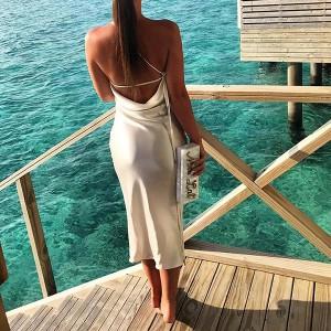 Midi satenasta haljina otvorenih leđa