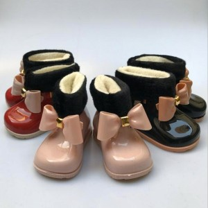 Dječje gumene čizme s krznenim umetkom