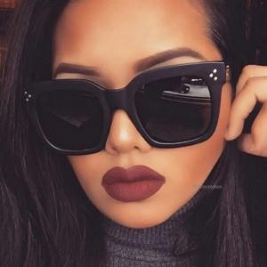 Vintage velike naočale lagano zaobljenog oblika