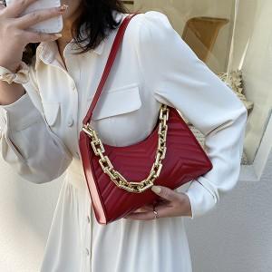 Mala reljefasta torbica s ukrasnim lancem 6 BOJA *Posebna ponuda*