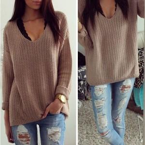 Jednostavni pleteni pulover V izreza
