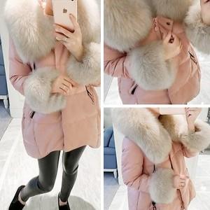Topla zimska jakna s krznom na kapuljači i rukavima