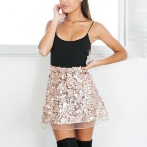 Mini suknja sa šljokicama i tilom