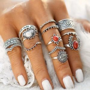 Set od 14 mini vintage prstenova s kamenom