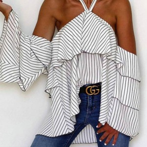 Prugasta bluza otvorenih ramena