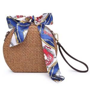 Mala okrugla ratan torbica