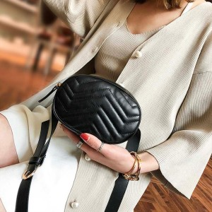 Mala kožna torbica na vezanje oko struka