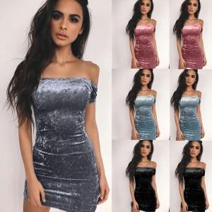 Mini baršunasta haljina otvorenih ramena