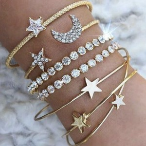 Set od 4 narukvice zvijezda, mjesec, srce