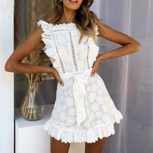Mini vezena haljina na volane *limitirana kolekcija*