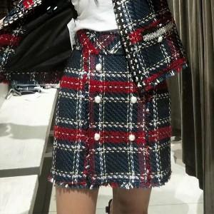 Mini suknja od tvida s biserima