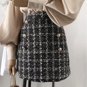 Mini suknja od tvida s ukrasnom dugmadi