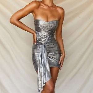 Mini nabrana metalizirana haljina