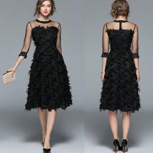 Midi haljina od tila s 3D ukrasima *limitirana kolekcija*
