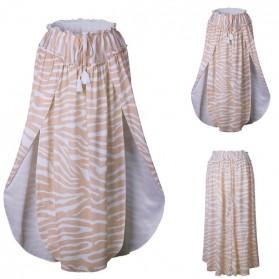 Duga suknja s prorezima na valove