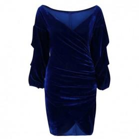 Svečana baršunasta haljina otvorenih ramena s naborima