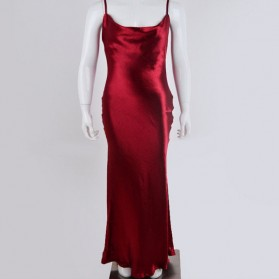 Duga svečana satenasta haljina na bretele