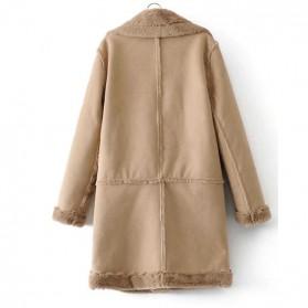 Srednje dugi zimski kaput ispunjen krznom