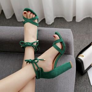 Sandale izgleda brušene kože na visoku stabilnu petu