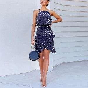 Mini asimetrična haljina na volane i točkice