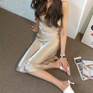 Luksuzna satenasta haljina preklopnih leđa *Limitirana kolekcija*