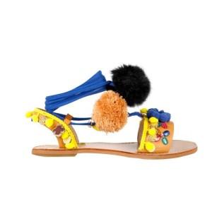 Dolce sandale s pomponima, resicama i cvjetovima
