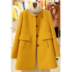 Kratki damski kaput s gumbima