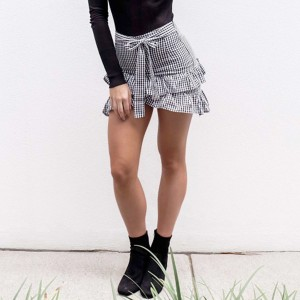 Mini kockasta suknja s volanima