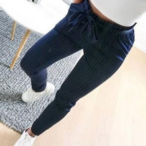 Prugaste hlače visokog struka s mašnom