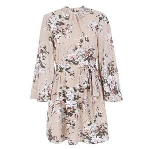 Mini cvjetna haljina otvorenih leđa s dugim rukavima