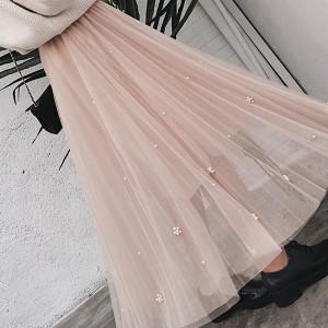 Duga suknja od tila s biserima