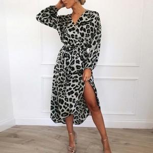 Midi preklopna haljina životinjskog uzorka