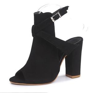 Sandale otvorenih prstiju na stabilnu petu