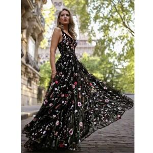Duga svečana haljina od tila s uvezenim cvjetovima