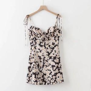 Mini haljina s nabranim košaricama