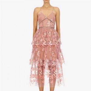 Midi haljina od tila s uvezenim cvjetovima