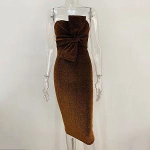 Mini haljina na šljokice s mašnom otvorenih ramena