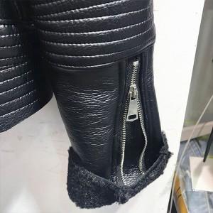 Kožna jakna ispunjena krznom s velikim krznenim ovratnikom